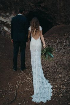 Stunning Daughters of Simone open back gown | Image by Kelley Deal Photography