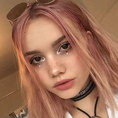 Dot eyeliner inspo ⚪️⚪️
