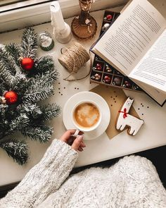 - Happy Christmas - Noel 2020 ideas-Happy New Year-Christmas Christmas Flatlay, Christmas Mood, Noel Christmas, Little Christmas, All Things Christmas, Christmas And New Year, Xmas, Christmas Porch, Primitive Christmas