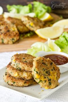 Easy, quick recipe for potato tuna patties with simple ingredients everybody will love. Perfect for breakfast, lunch or dinner or even as appetizer. Tuna Recipes, Potato Recipes, Seafood Recipes, Cooking Recipes, Healthy Recipes, Simple Recipes, Recipies, Tuna Patties, Potato Patties