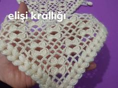 Crochet Baby Poncho, Knitted Poncho, Knitted Shawls, Crochet Scarves, Crochet Shawl, Easy Crochet, Crochet Stitches, Baby Knitting, Kreative Jobs