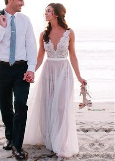 Alluring Tulle Bateau Neckline A-line Wedding Dresses With Lace Appliques... Simple yet gorgeous