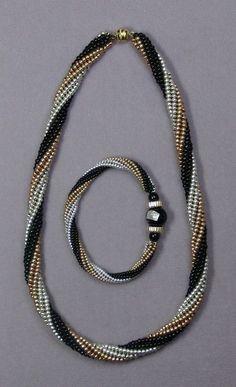 Herringbone Spiral Class Seed Beads - new season bijouterie Diy Jewelry Necklace, Seed Bead Necklace, Seed Bead Jewelry, Bead Jewellery, Diy Jewelry Making, Jewelry Sets, Beaded Jewelry, Beaded Necklace, Beaded Bracelets