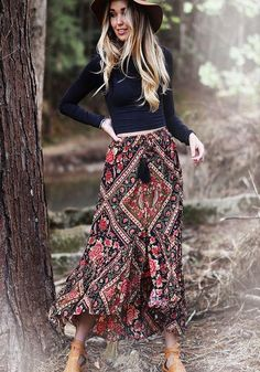 Check out our local label, Mahiya & their gorgeous leather accessories and stunning boho-luxe printed clothing, featuring original designs and prints. Bohemian Stores, Gipsy Fashion, White Bohemian, Boho Baby, Boho Gypsy, Boho Wedding, Boho Chic, Paisley, Brand New