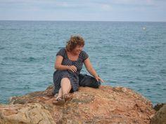 Esa maravilla que se ve detras es el Mediterraneo. Pero esta foto me encanta.