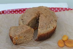 This slow cooker apricot spelt loaf cake recipe is a quick and easy muffin type cake made with wholemeal spelt flour and dried apricots. Lunch Recipes, Appetizer Recipes, Breakfast Recipes, Dinner Recipes, Baking Recipes, Cake Recipes, Dessert Recipes, Desserts, Slow Cooker Cake