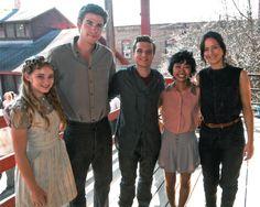 Kids Wish Network Grants Fan's Wish to Visit the Catching Fire Set. Finally someone shorter than josh!