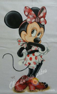 Minnie doesn't get any prettier than that. Mickey Mouse Images, Mickey Mouse Cartoon, Mickey Mouse And Friends, Cute Cartoon, Mickey Mouse Wallpaper, Disney Wallpaper, Tole Painting, Fabric Painting, Pinterest Pinturas