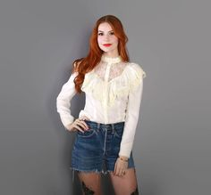 vintage 70s Ivory RUFFLE Blouse / 1970s Gunne sax Style Lace TOP