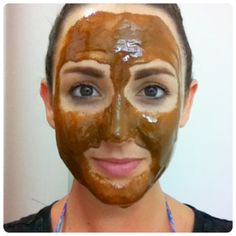 This Face Mask Will Magically Remove Stains, Acne Scars, And Wrinkles After Just Seconds Of Use!