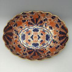 Large-Imari-Bowl-Scalloped-Edge-Chrysanthemum-Pattern-Fukagawa-Korancha-Mark