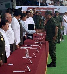 RECIBE EL GENERAL ALEJANDRO SAAVEDRA COMANDANTE DE LA IX REGIÓN MILITAR CONDECORACIÓN DEL PRESIDENTE ENRIQUE PEÑA NIETO!!!  Acapulco, Guerrero, 31 de agosto de 2016.- El pasado lunes 29 de agosto en un evento celebrado en Mazatlán, Sinaloa, y que encabezó el Presidente de la República, Enrique Peña Nieto, el General de División D.E.M. Alejandro Saavedra Hernández, Comandante de la IX Región Militar de...