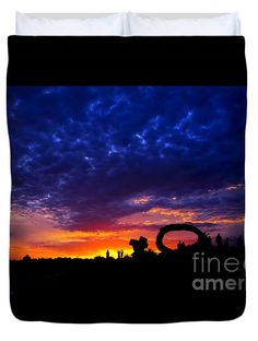 """Sculpture by the Sea - Sunset Silhouette by Kaye Menner Queen (88"""" x 88"""") Duvet Cover by Kaye Menner"""