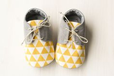 Grey baby boy shoes oxford shoes tuxedo by MartBabyAccessories Baby Boy Gifts, Baby Boys, Baby Shower Gifts, Baby Outfits, Kids Outfits, Baby Dresses, Baby Wunder, Baby Slippers, Shower Slippers