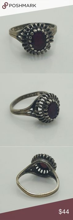 Antique 925 silver ring with garnet stone Antique 925 silver ring with garnet stone Jewelry Rings