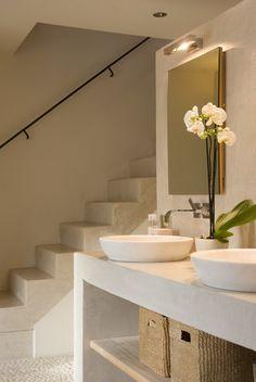 modern bathroom with White pebble tile Flooring