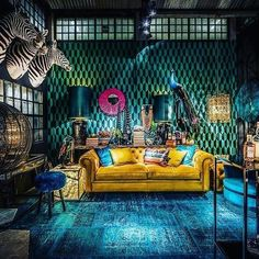 [New] The Best Home Decor (with Pictures) These are the 10 best home decor today. According to home decor experts, the 10 all-time best home decor. Room Interior Design, Interior Styling, Interior Decorating, Home Living Room, Living Room Decor, Maximalist Interior, Dark Interiors, Bohemian Interior, My New Room