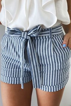Sail Away Shorts: Navy/White