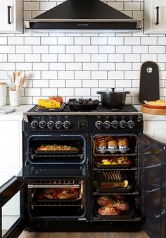 Belling Richmond range cooker boasts more than just a stylish design! It features 3 independently-controlled oven cavities, 2 fuel choices for the cooktop and an easy-to-clean enamel.
