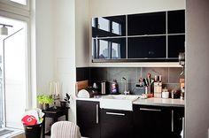 black-kitchen-design
