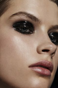 22 Trendy Makeup Looks Edgy Make Up Dark Makeup Edgy Makeup Trendy Edgy Makeup, Grunge Makeup, Glossy Makeup, Makeup For Brown Eyes, Black Makeup Looks, Black Eye Makeup, Makeup Eyes, Makeup Trends, Makeup Inspo