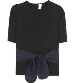 Victoria Victoria Beckham - Tie Front T-shirt - Victoria Victoria Beckham updates the humble T-shirt with this 'Tie Front' version. A classic black body is enlivened by navy straps that tie at the front for a fashion-forward finish. Take yours into the evening with a pair of cropped trousers and a statement clutch bag. seen @ www.mytheresa.com