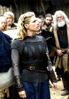 Vikings earl Lagertha costume Lagertha Costume, Lagertha Hair, Vikings Lagertha, Ragnar, Viking Hair, Viking Life, Viking Warrior, Vikings Show, Vikings Tv Series