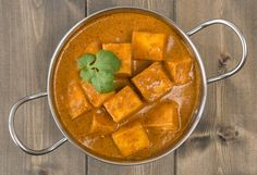 A shahi recipe for celebrating the Shahi festive season! Chef Nitin Tandon, shares his exclusive recipe of Shahi Paneer Korma for all Women planet readers! Cook and enjoy the Shahi food with your family! Top Recipes, Spicy Recipes, Indian Food Recipes, Vegan Recipes, Cooking Recipes, Ethnic Recipes, Vegan Meals, Achari Paneer, Paneer Makhani