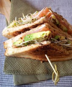 Easy Club Sandwich Recipe – Sandwich with Smoked Salmon and Avocado — Eat Well 101 Avocado Recipes, Salmon Recipes, Seafood Recipes, Gourmet Recipes, Healthy Recipes, Cookbook Recipes, Delicious Recipes, Healthy Snacks, Vegetarian Recipes