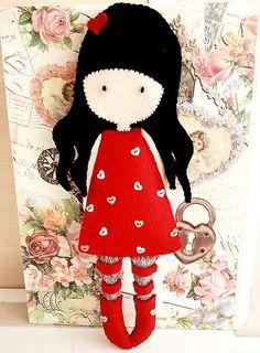 Ojeli Parmaklar my gorjuss girl Ruby felt Fabric Dolls, Paper Dolls, Diy And Crafts, Arts And Crafts, Little Presents, Felt Hearts, Felt Toys, Felt Ornaments, Felt Christmas