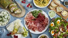 Vennefrokost Frisk, Tapas, Steak, Recipes, Champagne, Table Settings, Food, Spring, Food Food