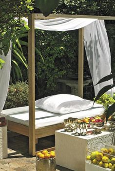 Four poster garden day bed