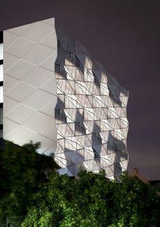 Vivida | ROTHELOWMAN #facade