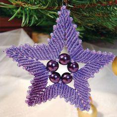 Macrame Christmas Star ornament (tutorial in russian) Macrame Design, Macrame Art, Macrame Projects, Macrame Knots, Macrame Earrings, Macrame Jewelry, Christmas Art, Xmas, Christmas Ornaments