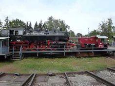 Eine BR86 und eine Köff auf der Drehscheibe beim Dampflokfest 2013 in Heilbronn.