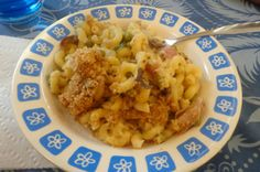 Ham & Peas Macaroni Bake  Last night's dinner idea came from my husband. Every now and then I am stumped with an idea for dinner and every now and then Rafael gives me an idea. His origin...