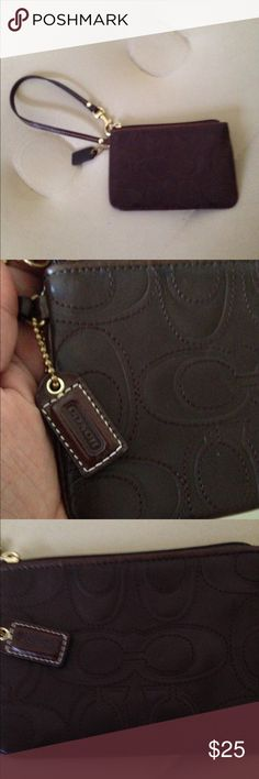 👛😙Small coach wristlet. Excellent condition. Dark brown, pocket inside. Very cute and simple. Coach Bags Clutches & Wristlets