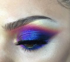 Gorgeous metallic eyeshadow look