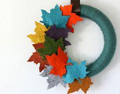 Ghirlanda autunnale fai da te con foglie in feltro
