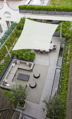 Pergola With Retractable Canopy Referral: 2807018992 Casa Patio, Rooftop Patio, Backyard Patio, Backyard Landscaping, Landscaping Design, Terrace Garden Design, Rooftop Design, Patio Design, Patio Plans
