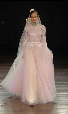 Naeem Khan Shows Elegant Embroidered Dresses for Spring 2017 | Photo by: Maria Valentino/MCV Photo | TheKnot.com