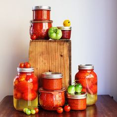 Need a fun weekend project? I've got 7 Ways to Preserve Tomatoes #ontheblog today. Lots of options for both freezing and canning. #sbcanit