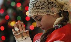 """""""Perdoe-os"""", clama menina cristã antes de morrer queimada por terroristas do Estado Islâmico; Caso foi revelado em conferência em Nova York"""