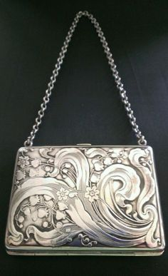 In Flavor Smart Antique Art Nouveau Silver Frame Blue Knit Iridescent Bead Tier Fringe Purse Fragrant