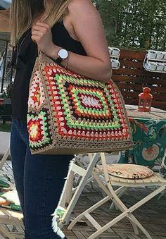 Crochet Granny Square Rectangle 48 Ideas For 2019 Crochet Shell Stitch, Crochet Tote, Crochet Handbags, Crochet Purses, Love Crochet, Crochet Crafts, Crochet Baby, Knit Crochet, Crochet Squares