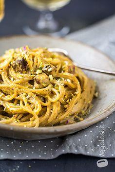 Spaghetti integrali con tofu affumicato e crema di zucca – Video