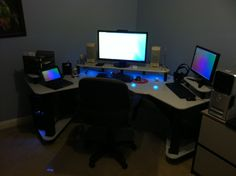 A god among nerds. This man designed and hand built his own battlestation.