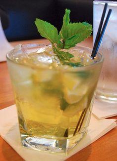 KOMBUCHA MOJITA 3 T of fresh lemon juice 1/2 t lemon zest 1/2 cup chopped mint 3 T of Coconut Sugar/ 3 drops Stevia  or your choice of natural sweetener 1 T Vanilla 2 cups Kombucha 1/4 cup Sparkling water