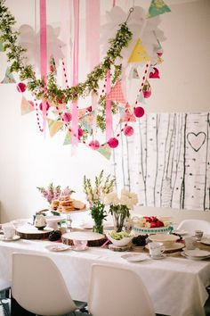 Inexpensive setting for an Easter brunch.