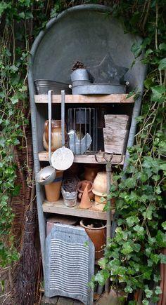 Zinkbadewanne als Gartenregal ähnliche tolle Projekte und Ideen wie im Bild vorgestellt werdenb findest du auch in unserem Magazin . Wir freuen uns auf deinen Besuch. Liebe Grüße Mimi